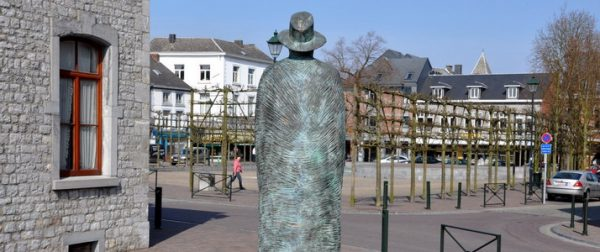Statue l'homme au loin ©P. Willems